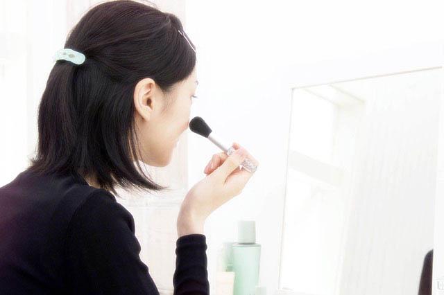 ファーストセラムで化粧ノリを改善した女性